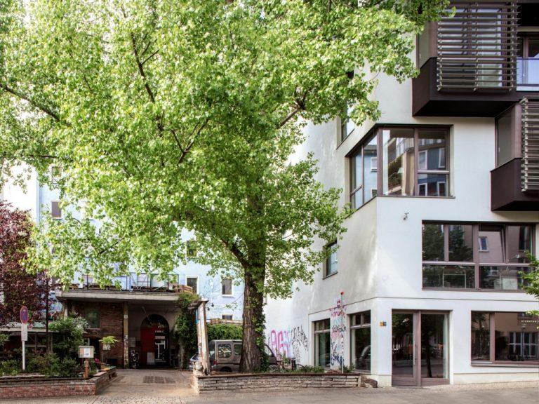 Fourrichon_Architect_berlin_mitte_veteranenstr_eck_fassade